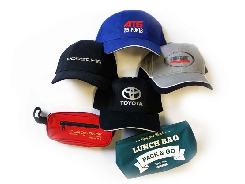 Печать фирменного логотипа на кепках