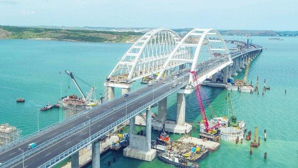 Удар на 400 млн: FT заявила, что из-за Крымского моста Украину в Азове ждёт мрачное будущее