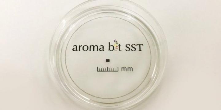 Японский стартап разрабатывает анализатор запахов для смартфонов