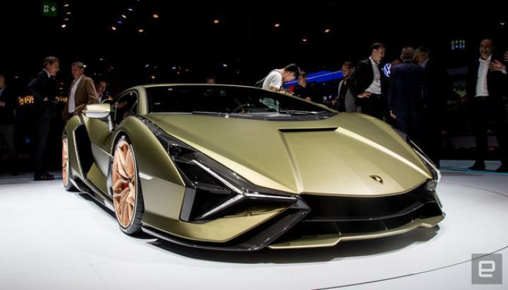 Lamborghini представила первый гибридный суперкар