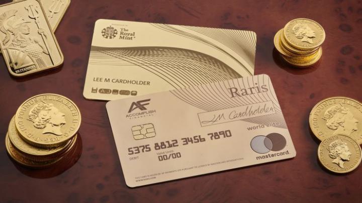 В Англии выпустили платежную карту из чистого золота стоимостью  тысячи (фото)