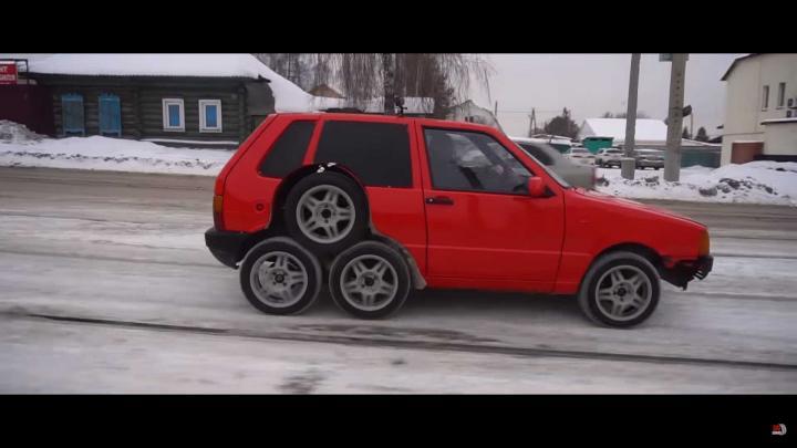 Fiat Uno стал восьмиколесным (фото)