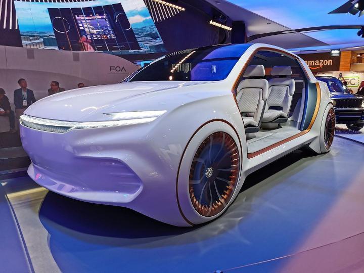 Chrysler представила концептуальный электрокар Airflow Vision (фото)