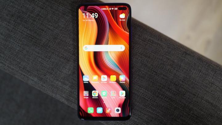 Представлен первый смартфон самостоятельного бренда Xiaomi Poco (фото, видео)