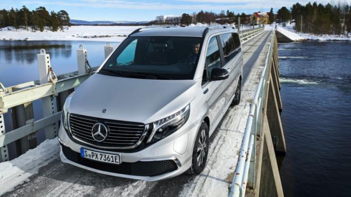 Mercedes испытывает электрический минивэн премиум-класса (фото)