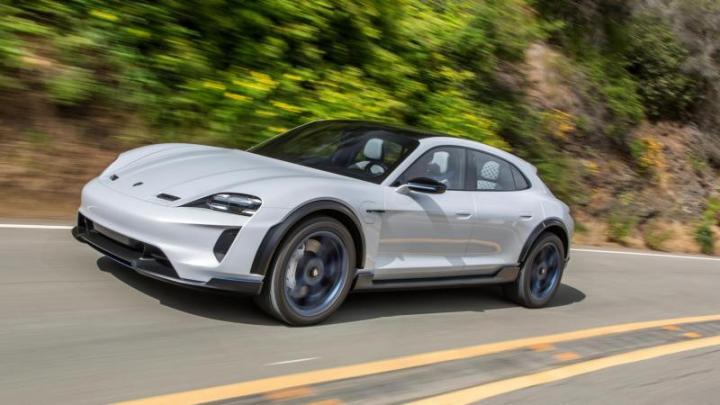 Porsche: Электрокроссовер Taycan Cross Turismo дебютирует в конце 2020 года (фото)