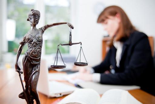 Качественные услуги адвоката смогут помочь в любой ситуации