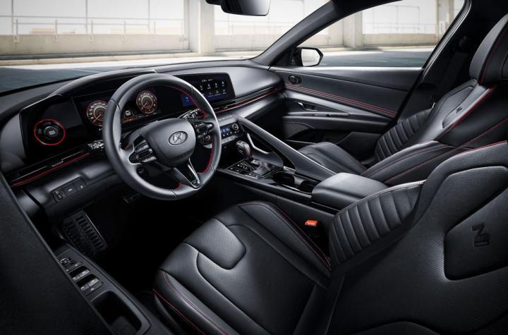 Hyundai представил «спортивную» версию Elantra (фото)