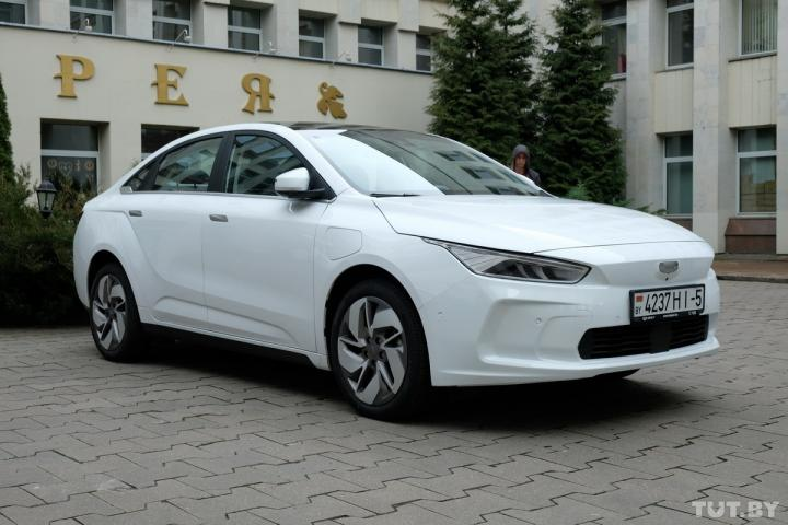 В 2021 году в Беларуси запустят сборку электромобилей на основе китайской модели Geely Geometry A (фото)
