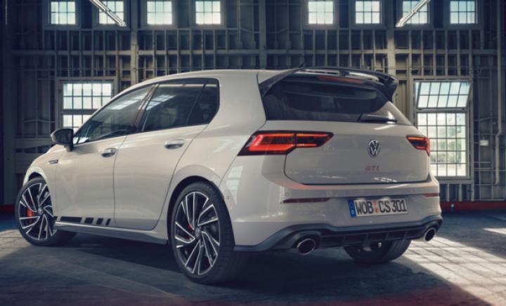 Volkswagen презентовал новую мощную версию Golf GTI (фото)