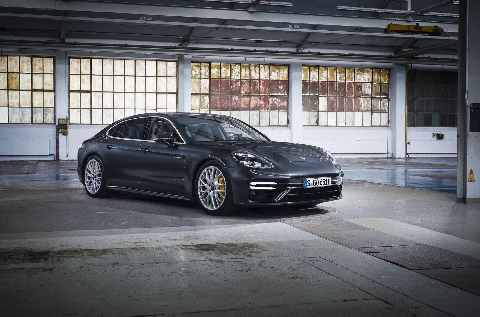 Porsche раскрыла характеристики самой мощной Panamera (фото)