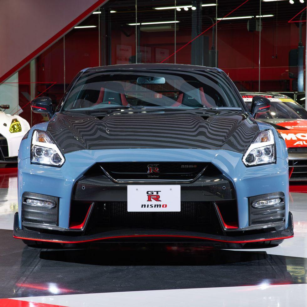 Nissan представил новый спорткар (фото)