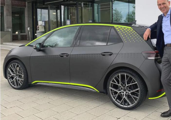 Немцы показали концепт «горячего» электромобиля Volkswagen ID X