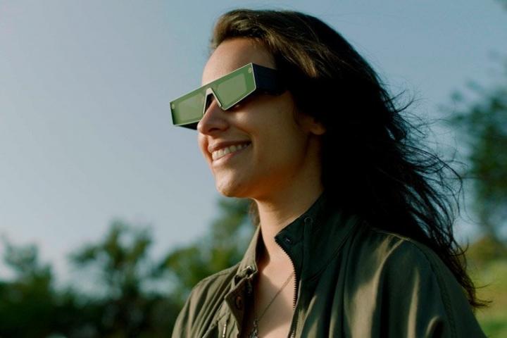 Snap анонсировала свои первые умные очки с поддержкой дополненной реальности
