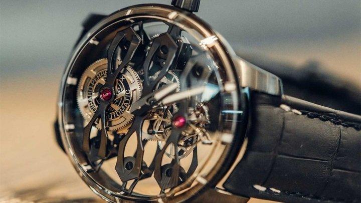 В Girard-Perregaux создали часы за 6 тыс. в честь британского бренда (фото)