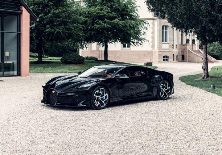 Гиперкар Bugatti La Voiture Noire за 11 млн евро представлен официально