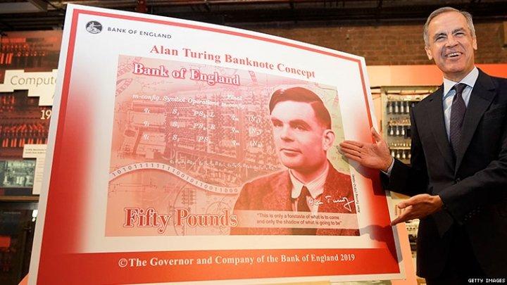 Великобритания выведет все бумажные банкноты через год