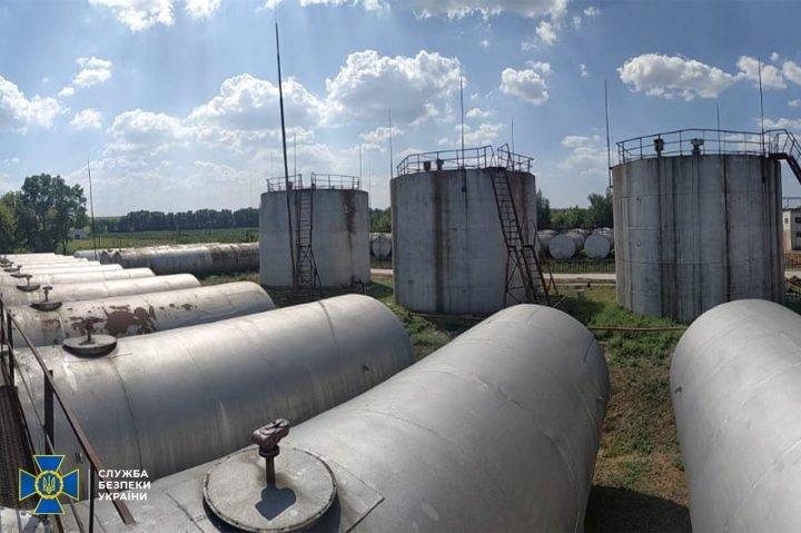 СБУ разоблачила и заблокировала канал изготовления фальшивого топлива