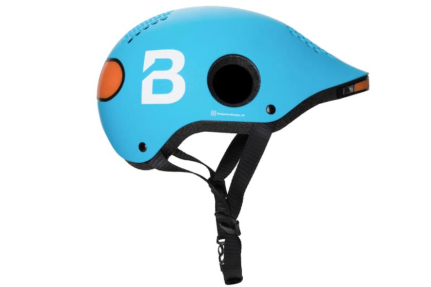 Умный шлем предупреждает велосипедиста, если сзади едет автомобиль