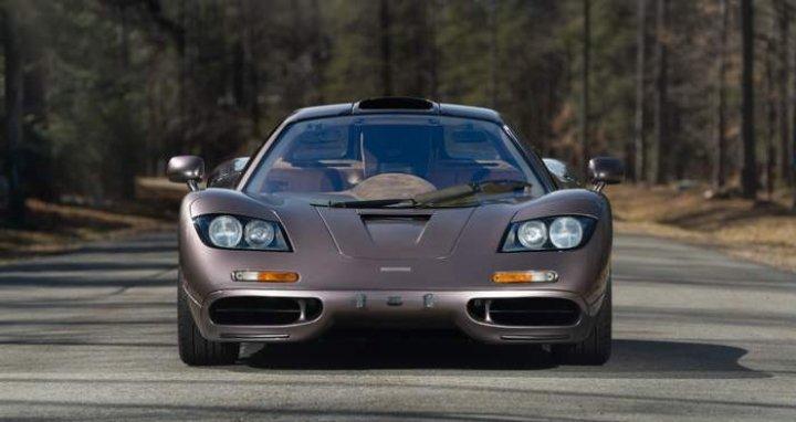 McLaren F1 1995 года выпуска продан за рекордные 20 миллионов долларов (фото)