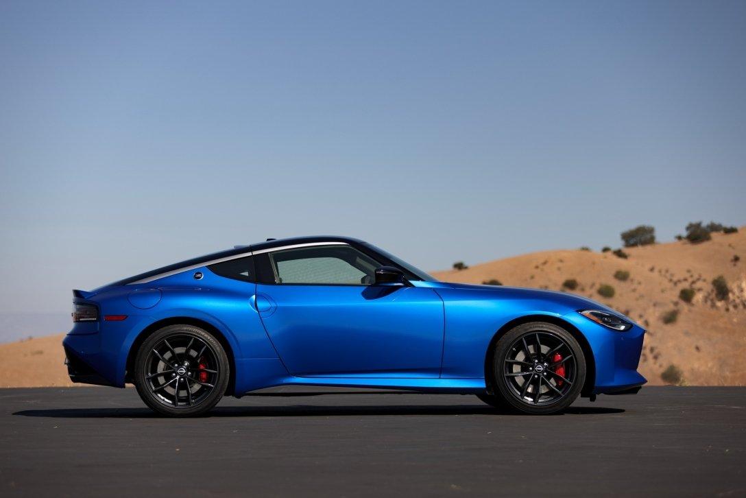 Nissan представил яркое спортивное купе
