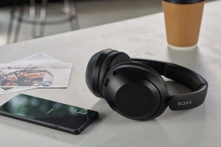 Sony представила свои самые доступные беспроводные наушники (фото, цена)